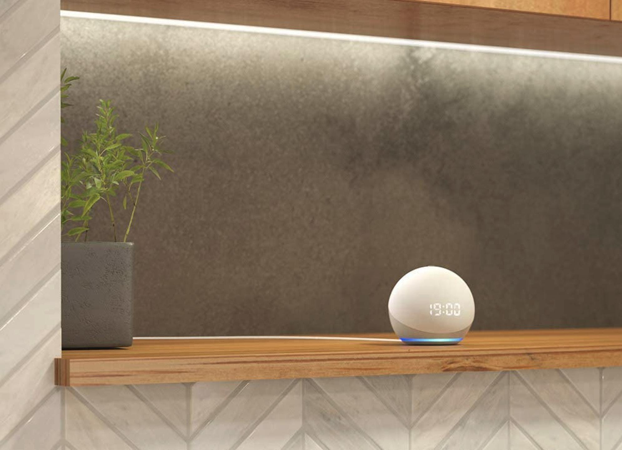 アレクサ:Echo Dot (エコードット) 第4世代の写真