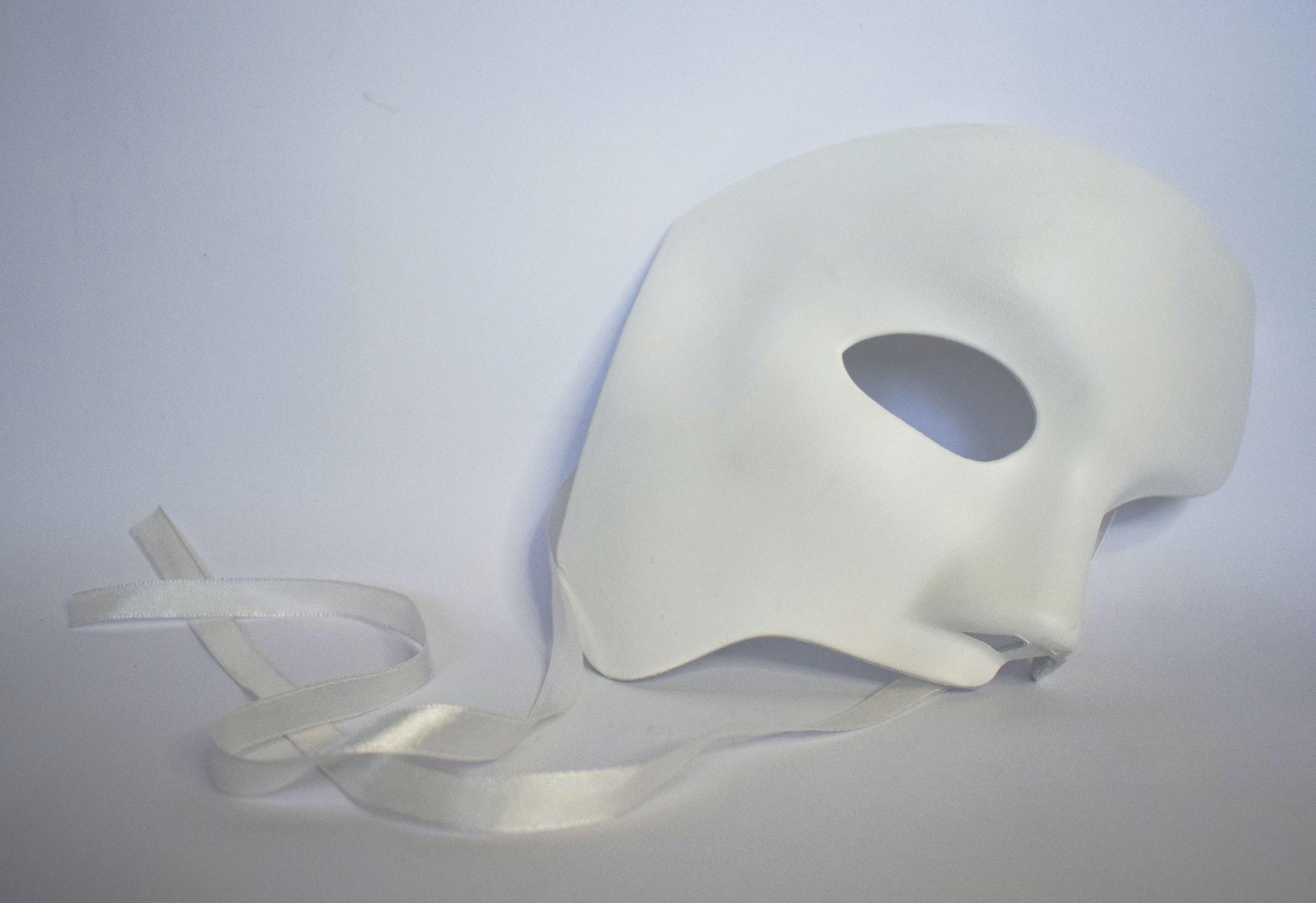 仮面のイメージ